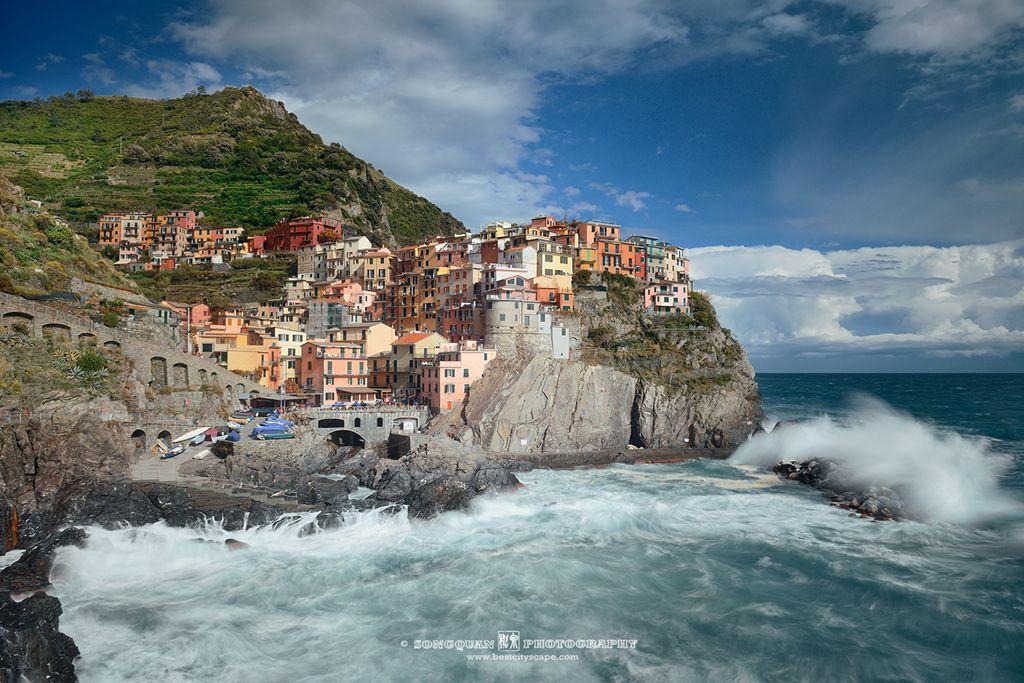 Manarola, Cinque Terre. Tide splash. Preview photo from my Italy trip.
